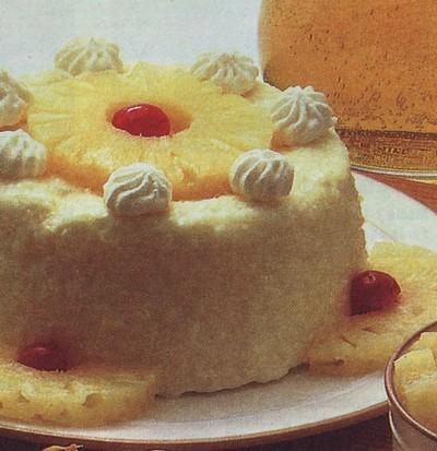 bavarese delicata,bavarese,panna,ricette dolci,ricette,ciliegine,rum,gelatina,ananas,bavarese all'ananas,