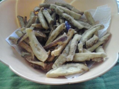 bastoncini di melanzane fritte,melanzane,melanzane fritte,melanzane specialità calabrese,