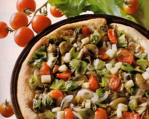 pizza con scarola cipolla e pomodori.jpg