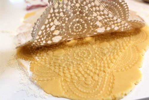 Le ricette fantasia glassa in cremor tartaro per decorare for Decorazioni zucchero a velo