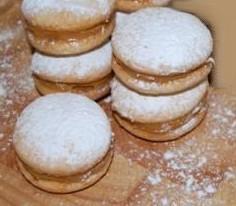 biscotti farciti crema di noci.jpg