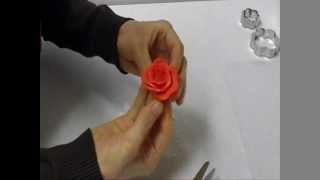 rose di mmf fondent con le formine,decorare una torta con le rose di zucchero,realizzare rose di zucchero,come decorare una torta,come fare le rose di zucchero