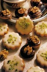 biscotti fantasia con le noci.jpg