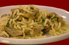 Spaghetti al pesto e carciofi.jpg