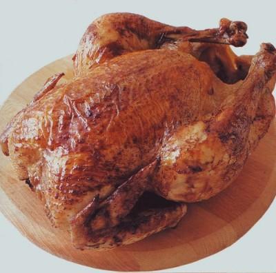 pollo arrosto,pollo,come arrostire il pollo,rosmarino,alloro,limone,pollo arrostito al forno