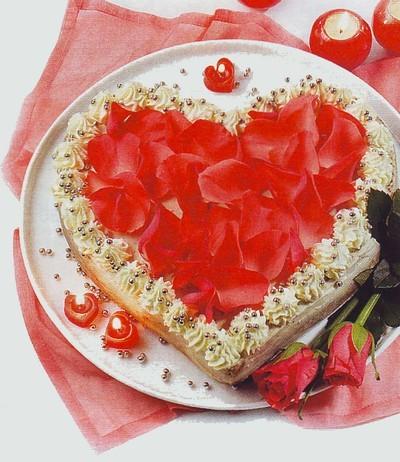 torta cuore di rose,torta festa della donna,torta cuore festa della donna,festa della donna,torta,torta cuore,torte,torta alla panna,