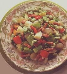mix di pancetta,pancetta,contorno,piselli,patate,taccole,peperoni,