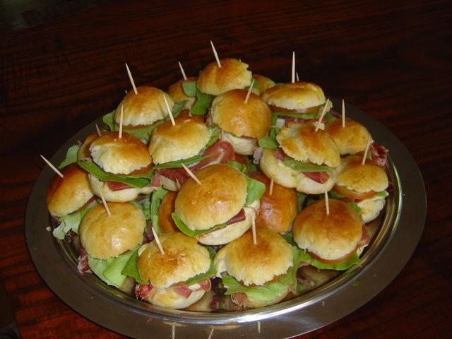 Buffet Di Dolci Mignon : Le ricette fantasia: panini mignon per buffet