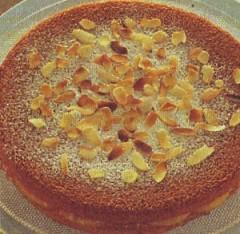 torta soffice farcita alle albicocche,torta alle albicocche,torta,torte,albicocche, mandorle,rum,ricette dolci,ricette di cucina,ricette,